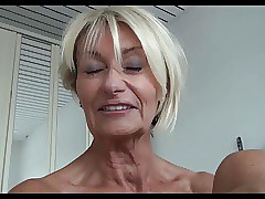 mom flash porn videos